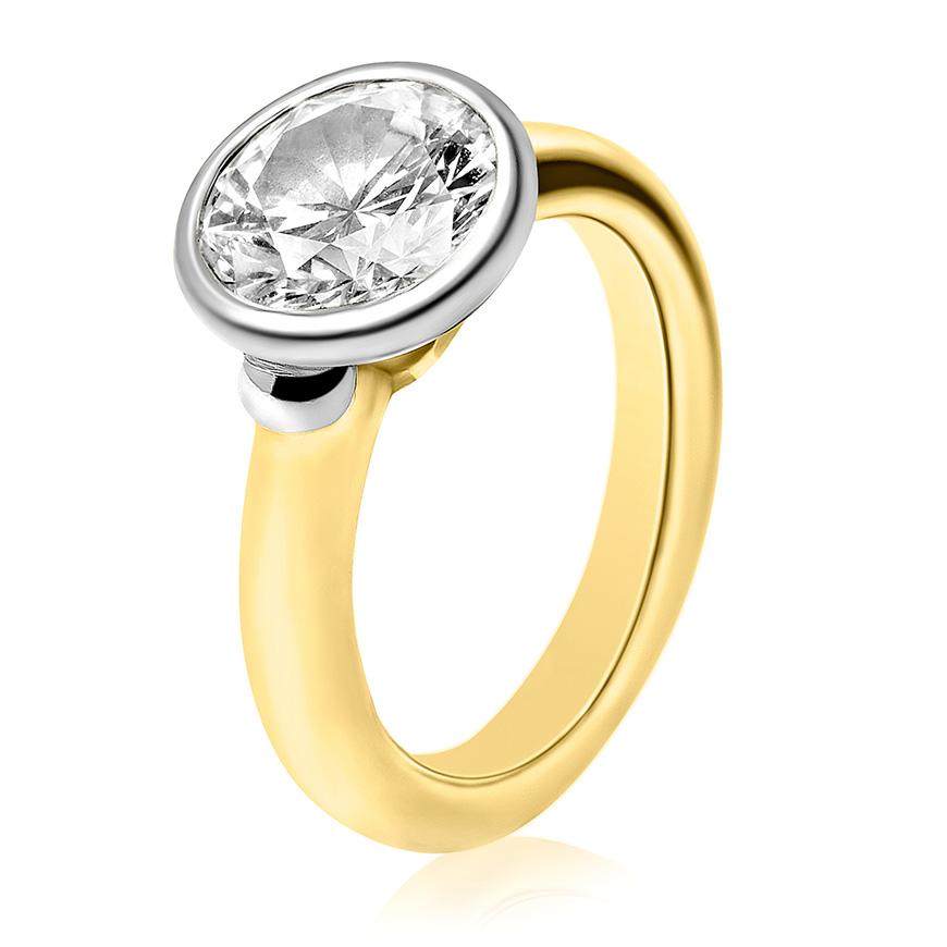 brilliant_cut_diamond_set_in_yellow_gold