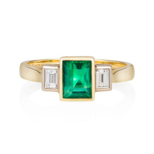 emerald_baguette_diamond_ring