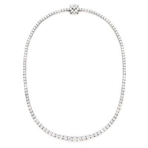 handmade_platinum_graduated_diamond_necklace