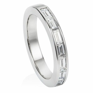 baguette diamond and platinum wedding band